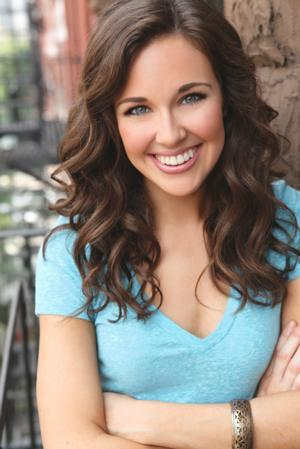 BWW Interview: NEWSIES' Liana Hunt on Moving Up from Understudy to Leading Lady!