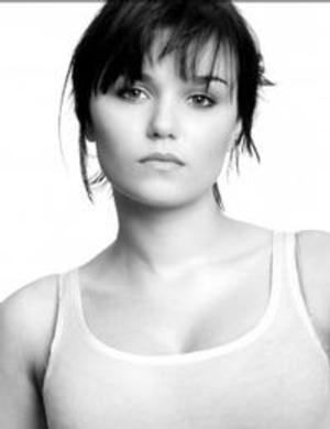 LES MIS' Samantha Barks Joins Cast of O'Hanlon's A HUNDRED STREETS