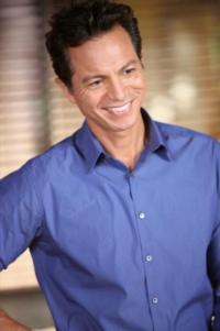 Benjamin Bratt to Narrate LATINO AMERICANS on PBS