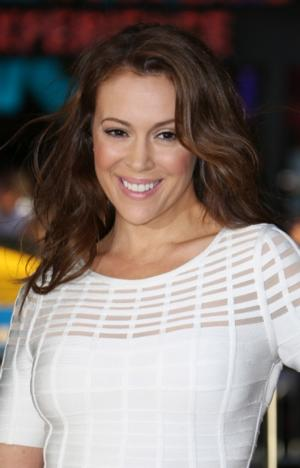 Alyssa Milano to Host PROJECT RUNWAY ALL STARS Season 3; Guest Judges & Designers Revealed