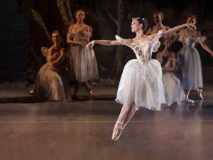 BWW Reviews: Los Angeles Ballet Presents LA SYLPHIDE plus George Balanchine's SERENADE