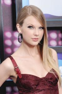 Taylor Swift Plans TV Appearances For 10/22 Launch Of 'Red' Album