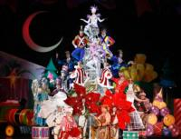 BWW Reviews: CIRQUE DREAMS HOLIDAZE is a Perfect Christmas Gift