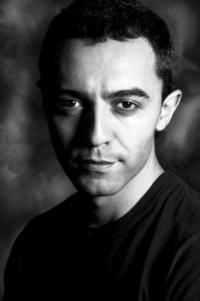 ngel-Ruiz-es-el-nuevo-maestro-de-ceremonias-de-The-Hole-20010101