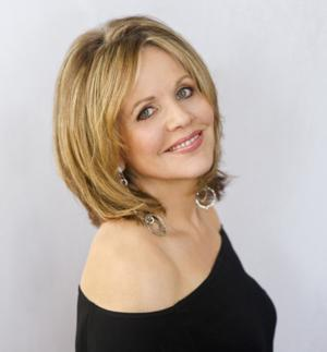 Renee Fleming Performs Opera Arias and Broadway Hits with Houston Symphony Tonight
