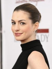 Anne Hathaway to Host The Women's Media Center 2012 Women's Media Awards, 11/13