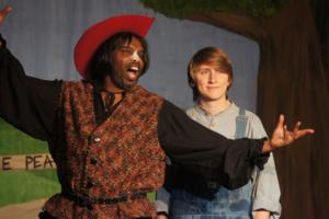 BWW Reviews: PUSS IN BOOTS is Frisky Fun