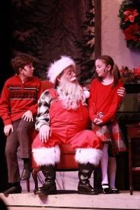BWW-Reviews-Santa-Arrives-At-Dutch-Apples-A-SWINGIN-CHRISTMAS-20010101