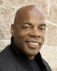Touring Comedian, Alonzo Bodden, Takes Talents to Comix At Foxwoods this February