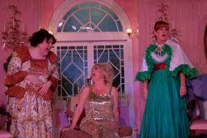 BWW Reviews: ALWAYS A BRIDESMAID Needs More Grooming