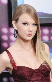 Taylor-Swift-Miley-Cyrus-Among-2012s-Most-Charitable-Stars-20121226