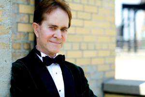 BWW Reviews: STEVE ROSS' Superb, Sophisticated Musicianship Charms and Enlightens at Café Sabarsky