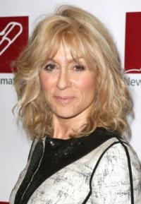 ASSEMBLED PARTIES' Judith Light Wins Best Featured Actress - Play