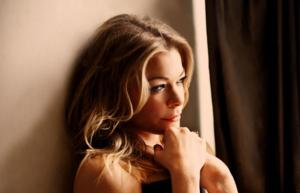 LeAnn Rimes Performs at The Orleans Showroom This Weekend