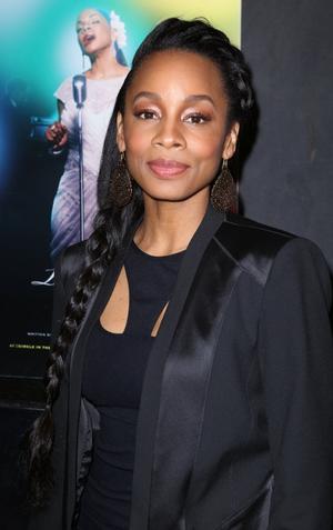 2014 Tony Nominees React - Anika Noni Rose is Playing Pharrell's 'Happy'