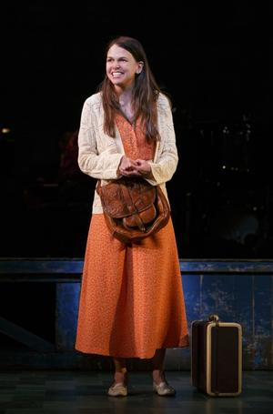 2014 Tony Nominees React - Sutton Foster is Gonna Celebrate with Her Cast!