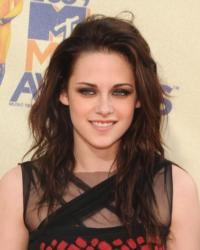 Kristen Stewart to Return for SNOW WHITE AND THE HUNTSMAN Sequel