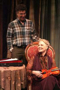 BWW Reviews: Hartley Continues to Enthrall in MORINI STRAD Extension at the Colony