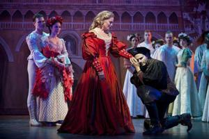 BWW Reviews: Sparkling KISS ME, KATE at Barrington Stage Company