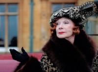 Shirley-MacLaine-May-Return-for-Fourth-Season-of-DOWNTON-ABBEY-20130125