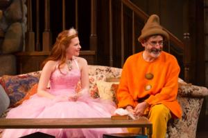 BWW Reviews: Durang Gets Laughs with Chekhov Themes in VANYA & SONIA & MASHA & SPIKE at Hartford Stage