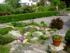 Pontine Theatre to Host ANNUAL NEW CASTLE VILLAGE WALK AND GARDEN TOUR, 6/22