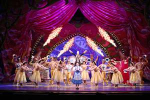 BWW Reviews: BEAUTY AND THE BEAST Enchants Now Through Jan 5