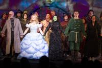 Photo-Coverage-New-WICKED-Cast-At-Media-Night-Curtain-Call-20000101