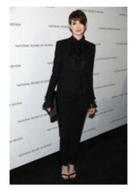 Anne Hathaway Carries Jill Milan Clutch to NBR Awards Gala