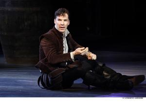 Barbican Theatre's Benedict Cumberbatch-Led HAMLET to Screen in Theaters Next Year?