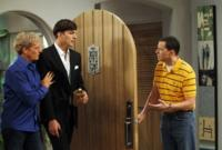 Scoop-TWO-AND-A-HALF-MEN-on-CBS-Thursday-September-27-2012-20120913