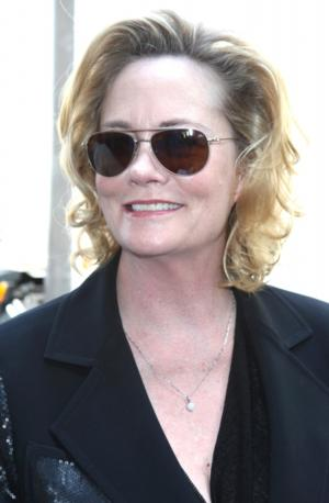 Cybill Shepherd Wants to Return to Stage in ANNIE GET YOUR GUN!