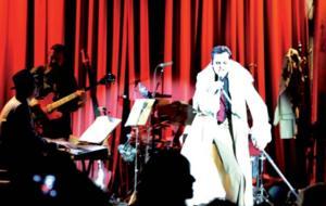 Asier Etxeandía regresa con 'El Intérprete' a Barcelona