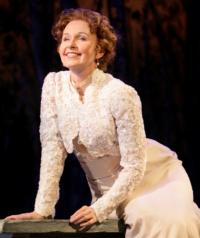 Actress Kate Burton to Receive 2013 Pell Lifetime Achievement Award; Ceremony Set for 6/10