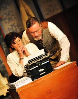 BWW Reviews: GHOST-WRITER Opens the 2014-2015 Season for Spinning Tree Theatre