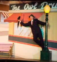 BWW Reviews: Audiences Happy Again Just Dancing and SINGING IN THE RAIN