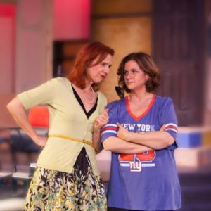BWW REVIEWS: THE ODD COUPLE (FEMALE VERSION) at Clear Space Theatre Company