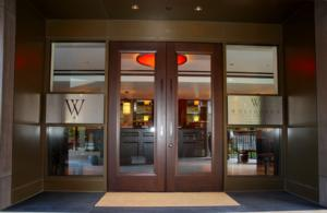 BWW Reviews: WOLFGANGS Brings NYC Chic Dining to Somerville NJ