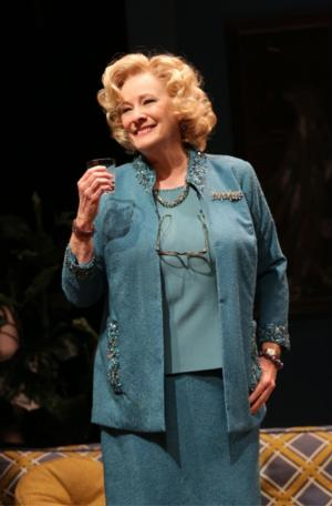 Signature Theatre Extends Betty Buckley-Led THE OLD FRIENDS Through 10/20