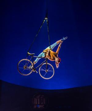 BWW Reviews: KURIOS full of Curiosities with Cirque du Soleil