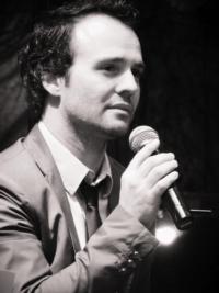BWW-Interviews-Dani-Angls-habla-sobre-Lluny-de-Broadway-Stage-y-su-carrera-20010101