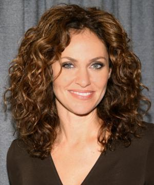 Amy Brenneman Lends Voice to Crohn's Disease and Ulcerative Colitis PSA