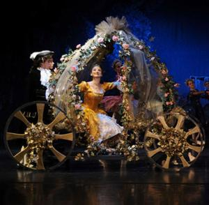 BWW Reviews: Maine State Ballet's CINDERELLA Glitters