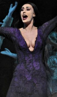 BWW-Interviews-Sara-Gettelfinger-of-THE-ADDAMS-FAMILY-Tour-Answers-Our-Silly-Query-20010101