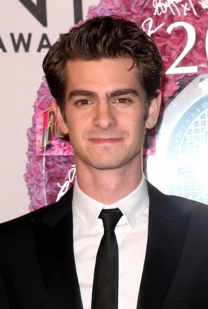 THE AMAZING-SPIDERMAN's Andrew Garfield to Host SNL, 5/3