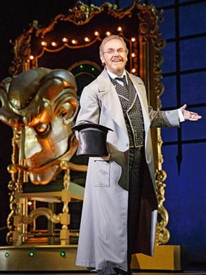 BWW Interviews: WICKED Tour's Walker Jones Shares Thoughts and Feeling about Playing The Wizard