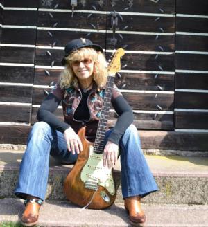 Debbie Davies Band to Play Bridge Street Live, 4/25