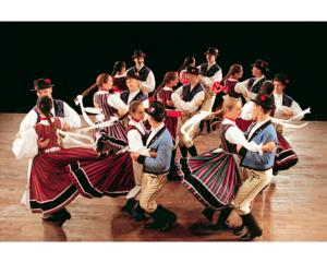 Hungarian State Folk Ensemble and Orchestra Brings GYPSY ROMANCE to the Spencer Tonight
