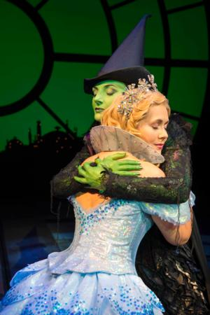 WICKED Plays 3,000th Performance at Apollo Victoria Theatre Today
