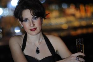 BWW Reviews: ALEXIS COLE Helps Cupid Along With Romantic Valentine's Day Show at Jazz at Kitano